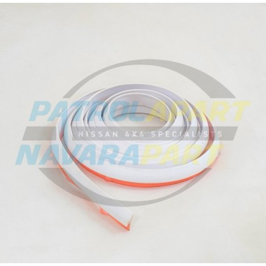 Nissan Navara D22 D40 Aftermarket WHITE Flare Seal Rubber Mould 2m