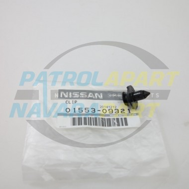 Genuine Nissan Navara D22 D40 NP300 Push in Clip