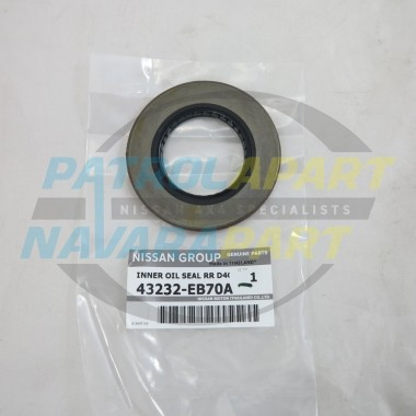 Genuine Nissan Navara D40 MNT VSK Leaf Sprung Rear Axle Seal