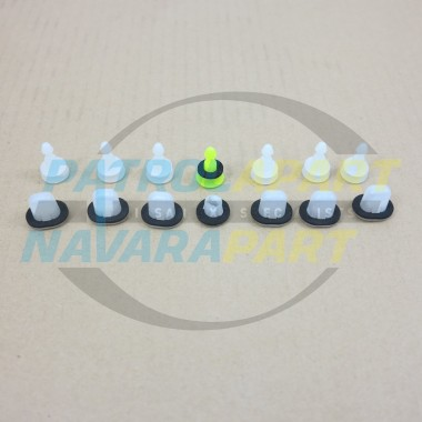 Nissan Navara D22 1997 on Genuine Rear Flare Clip Kit